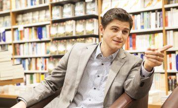 Quereinsteiger Verleger: Julien verrät, wie Neulinge Erfolge feiern können