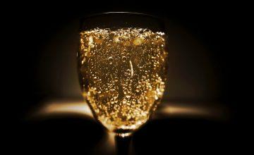 Happy Investments #3 Taschen, Schmuck und ein Gläschen Champagner